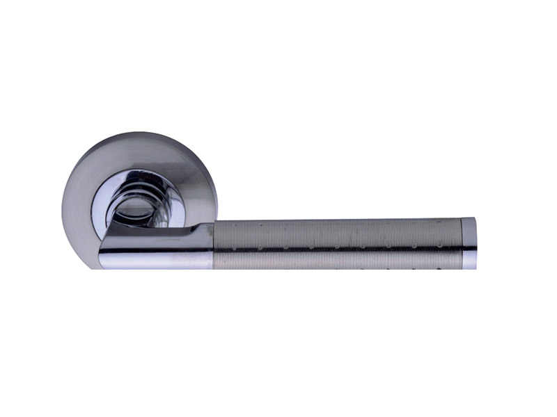 DH5206-ZINC ALLOY LEVER DOOR HANDLE ON ROSE