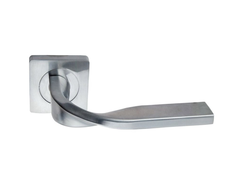 DH5247-SQ-ZINC ALLOY LEVER DOOR HANDLE ON ROSE