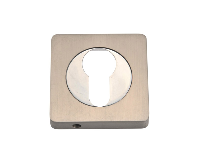 EE52-SQ-ZINC ALLOY LEVER DOOR HANDLE ON ROSE